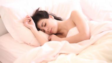 US-експерт изброи 6 неща, които да правите преди лягане, за да се наспите добре