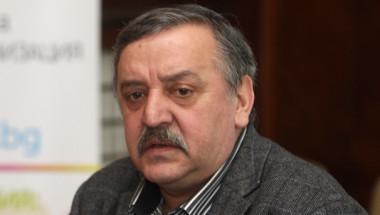 Проф. Кантарджиев бие тревога: Не водете деца под 1 година в Гърция, Румъния и Сърбия! Има риск за здравето им!