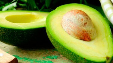 Преборете завинаги пърхота с... авокадо!