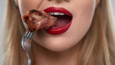 Яжте месо, за да отслабнете