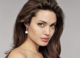 Искате фигура като на Анджелина Джоли, тогава се хранете като нея (ДИЕТИ)