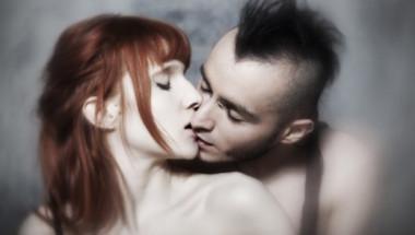 Как с френска целувка жените определят дали мъжът е годен за баща