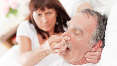 6 начина да се справим с хъркането