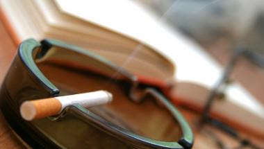Лекари посочиха на колко години трябва да откажем пушенето