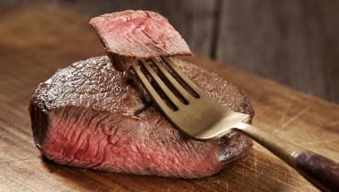 Защо не трябва да се яде студено месо? (СНИМКИ)