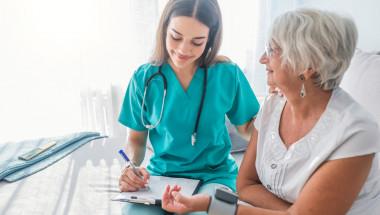 Пенсионерите имат ли право на профилактични прегледи по НЗОК?