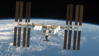 Откриха 5 щама смъртоносни супербактерии на борда на МКС
