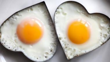 Какво се случва, ако всеки ден хапваме по две яйца