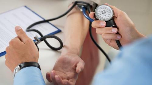 Кардиолози подсказаха как  може да се понижи кръвното без лекарства
