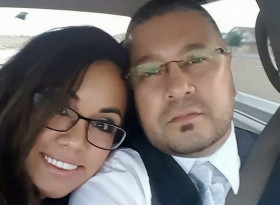 Съпруг заля жена си със светена вода, за да прогони зъл дух! Тя обаче се оказа жертва на злокобно заболяване