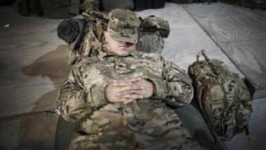 Как да заспим за 2 минути? Ефективната техника на войниците