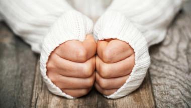 Студени ръце? 8 съвета за бързо справяне с проблема