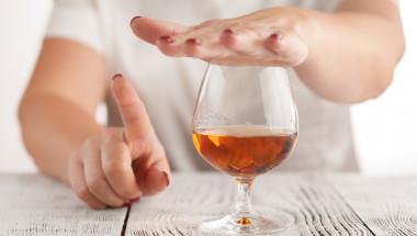 Проф. д-р Никола Григоров, д.м.н.: Тези, които пият умерено, живеят по-дълго, както от алкохолиците, така и от въздържателите
