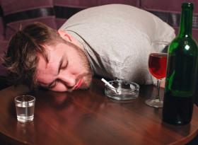 Какво да правим при отравяне със спиртни напитки?