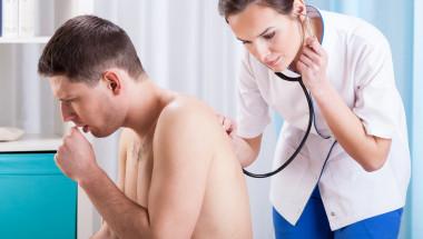 Най-честата причина за продължителна кашлица е стичането на слуз в гърлото