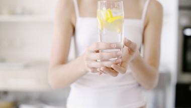 7 неща, които ще се случат с тялото ви след 7 дни пиене на лимонова вода