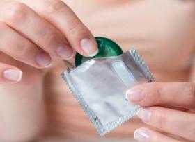 Как се слага презерватив правилно и още важни неща за използването му
