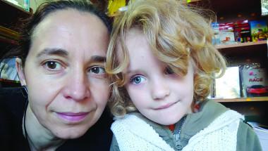Елена Маринова: Трябва да опитам всичко, за да излекувам Вики - разчитам на добрината на хората