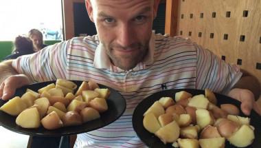 Смел експеримент:  Една година Андрю е ял само картофи и резултатът е невероятен (СНИМКИ)