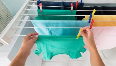 Защо никога не трябва да сушите дрехи в стаята?