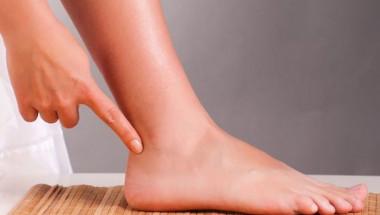 Британски лекар изброи кои страшни болести се разпознават от състоянието на краката