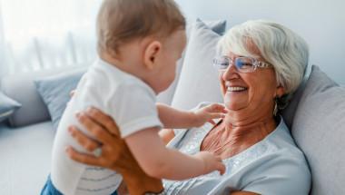 Седем типа баби, които са опасни за децата