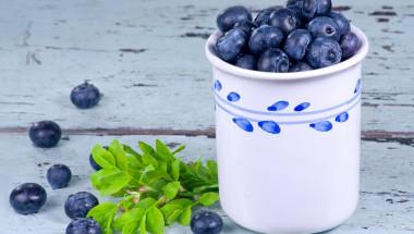 Кой и защо не трябва да яде боровинки
