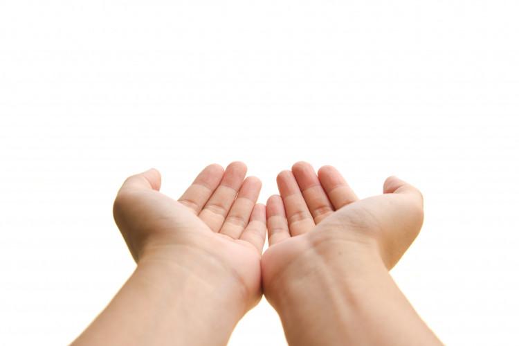 Как да мием ръцете си правилно: UV СНИМКИ показват какво наистина убива микробите