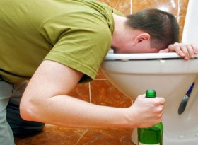 Повръщате кръв след употреба на алкохол? Какво става...