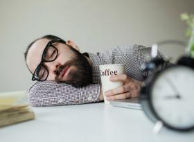 Какво ще се случи с тялото, ако спим през деня
