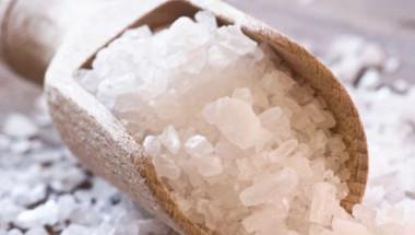 Учени опровергаха митовете за вредата от солта