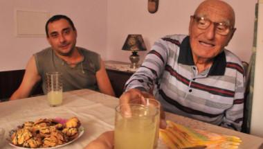 104-годишният дядо Стефан разкри какво хапва, за да бъде здрав