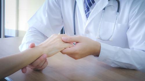 Проф. д-р Златимир Коларов: Слънчевата светлина и хормоналният дисбаланс отключват лупуса