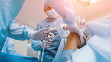 Поема ли НЗОК реконструкция на скъсана кръстна връзка на коляното?