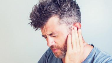 10 начини да отпушите заглъхнали уши бързо и безопасно