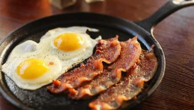 Какви храни не се комбинират с яйца