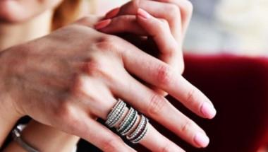 За какви здравословни проблеми казват ноктите
