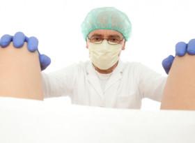 Потресаващо! Гинеколози продават в порно сайтове клипове с прегледи на пациентки