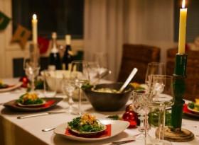 Диетолог определи най-вредните храни, които ще сложим на трапезата за Нова година