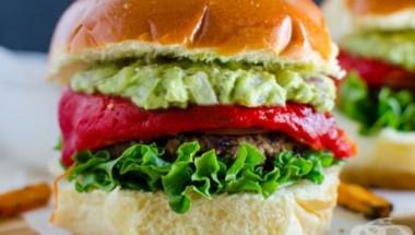 2-годишно дете едва не умря след ядене на веган бургер