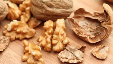 Защо ореховите черупки не се хвърлят?