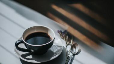 Тревожни признаци, че пиете опасно много кафе