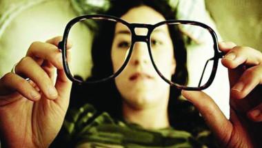 """Зрението не се изравнява от """"минус"""" към """"плюс"""" с възрастта"""