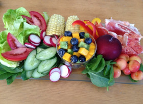 Експерти посочиха кои храни помагат в борбата с COVID-19