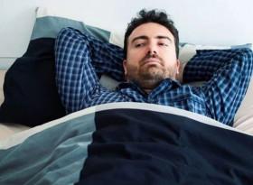 Симптоми на COVID-19: Какво усещате след събуждане?
