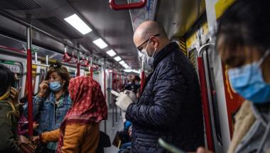 Полезни съвети как да се опазим от вируси в градския транспорт