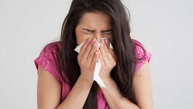 Kaк да различим COVID-19 от цветната алергия?