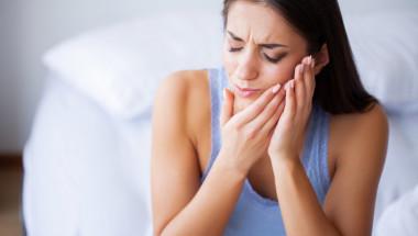 Как бързо да успокоим зъбоболс прости методи