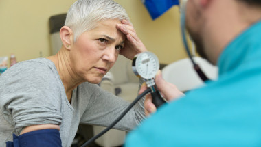 Проф. д-р Иван Манчев, д.м.н.: Рязкото сваляне на кръвното може да причини инсулт