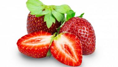 Кой и защо не трябва да яде ягоди